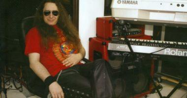 Сергею Сарычеву — 60! Какова история песни «Крутится волчок»?