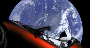 Tesla полетела в космос
