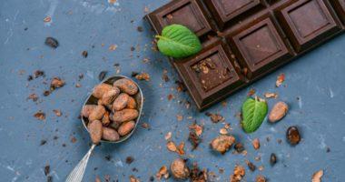 Какими полезными свойствами обладает черный шоколад?