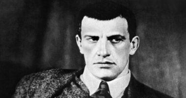 Владимир Маяковский — грандиозный поэт или несостоявшийся звездочет?