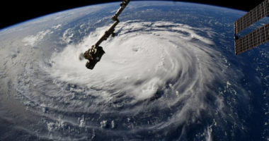 Как выглядят разрушительные ураганы: снимки из космоса