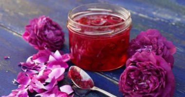 Что такое гюльбешекер, он же — десерт из лепестков роз?