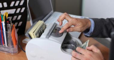 Денежный фэн-шуй: по каким правилам «живут» деньги?