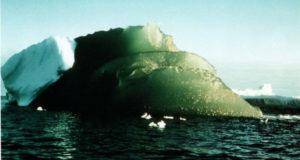 Откуда в Антарктиде зеленый лед: загадка природы