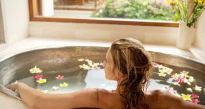 Как правильно принимать ванну при разных проблемах со здоровьем?