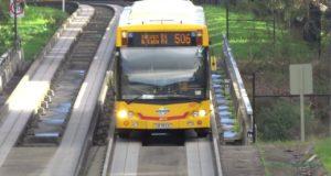 Автобус на бетонных рельсах