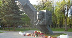 Почему именно Карбышев был очень нужен фашистам?