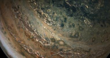 Юпитер показали в новом удивительном видео