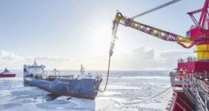 Корни, пьющие нефть: как добывается черное золото России