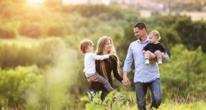Ученые выяснили, как счастье семьи зависит от дохода