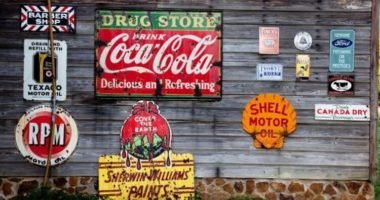 Что означают логотипы известных брендов: KFC, Coca-Сola, Pringles?